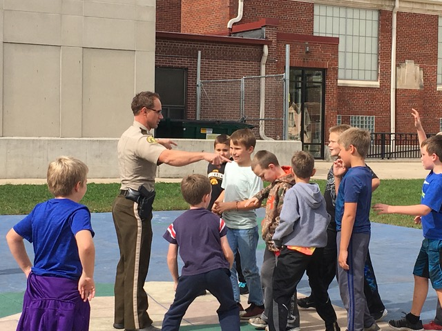 County Sheriff and students