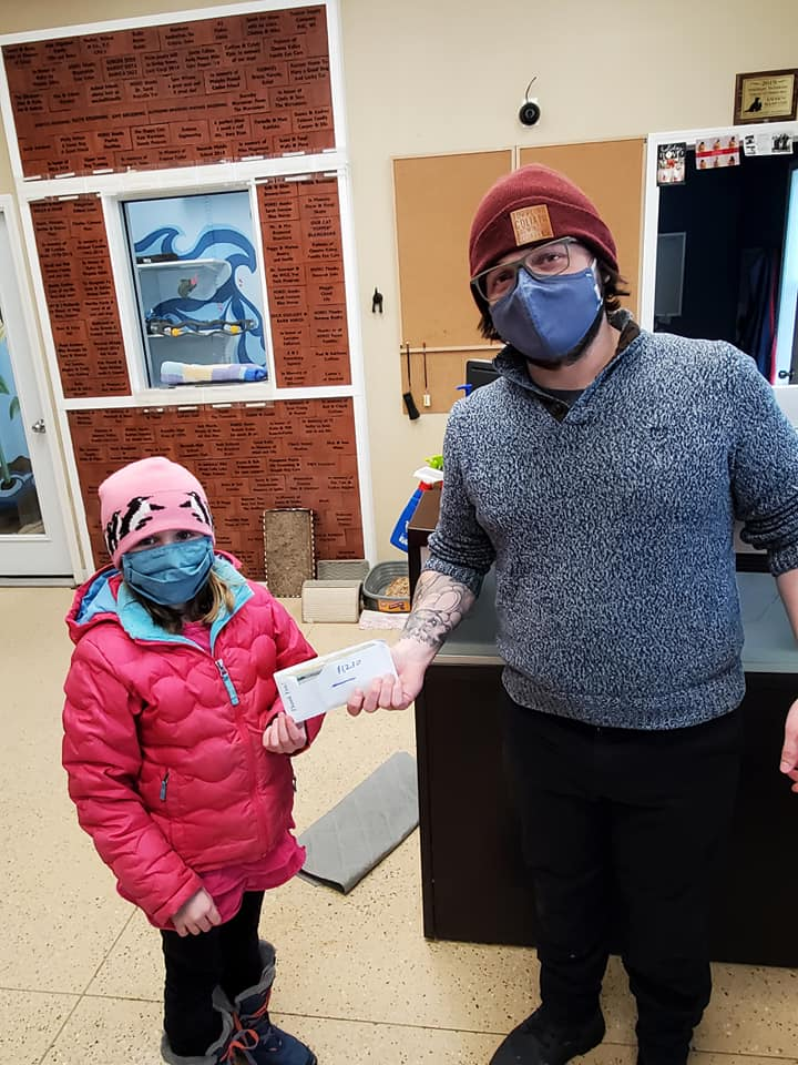 Decorah Elementary donates to the Humane Society
