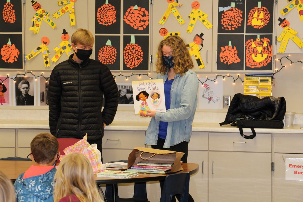 DHS Students visit Carrie Lee #2