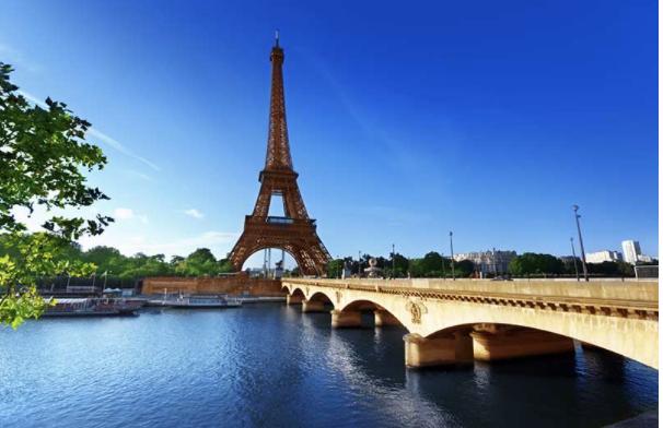 Paris: City of Lights Video Image
